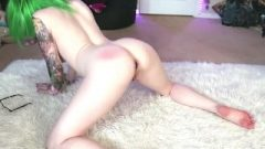 Pawg Twerks With Bum Plug In